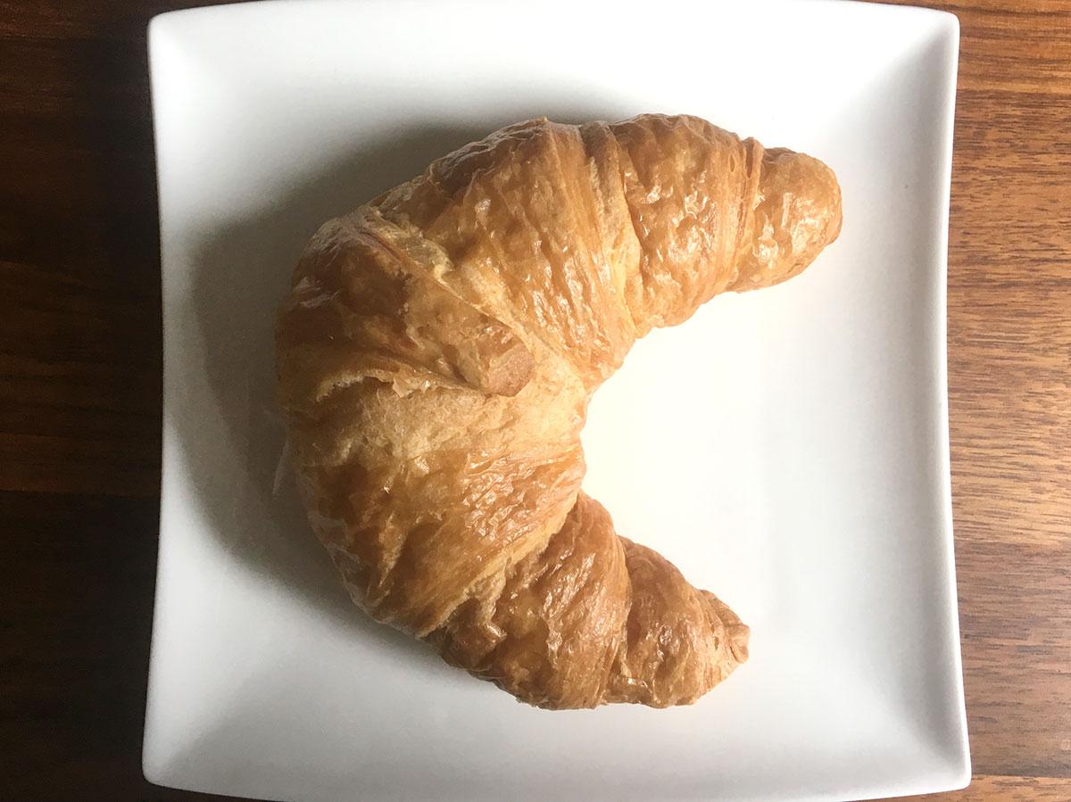das fast perfekt geformte croissant